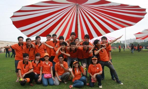 Sinh viên FPT - Aptech tại Hội thao 13/9 - một chương trình hằng năm kỷ niệm ngày sinh nhật Tập đoàn FPT.