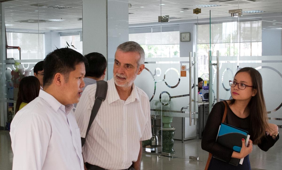 ĐH Việt Pháp tìm hiểu hệ thống Ứng dụng CNTT tại ĐH FPT (10)