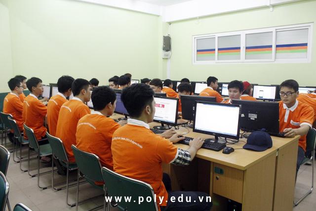 Cao đẳng thực hành FPT Polytechnic đầu tư hệ thống các phòng lab máy tính, xưởng thực hành, khu tự học, thư viện… tạo điều kiện cho sinh viên chủ động rèn luyện và nắm vững kiến thức, kỹ năng.