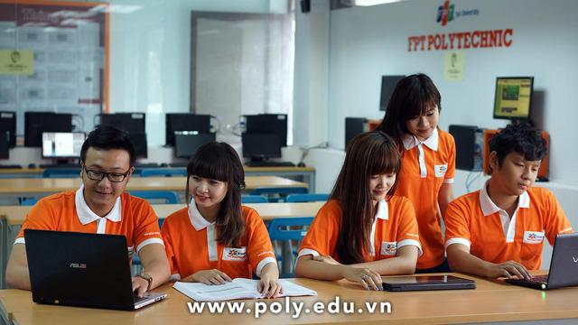 Gần 98% sinh viên Cao đẳng Thực hành FPT Polytechnic có việc làm với mức lương cạnh tranh trong vòng 1 năm sau khi tốt nghiệp.